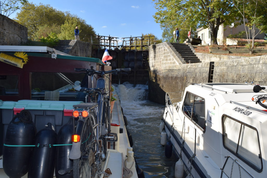 Sharing a lock with another vessel